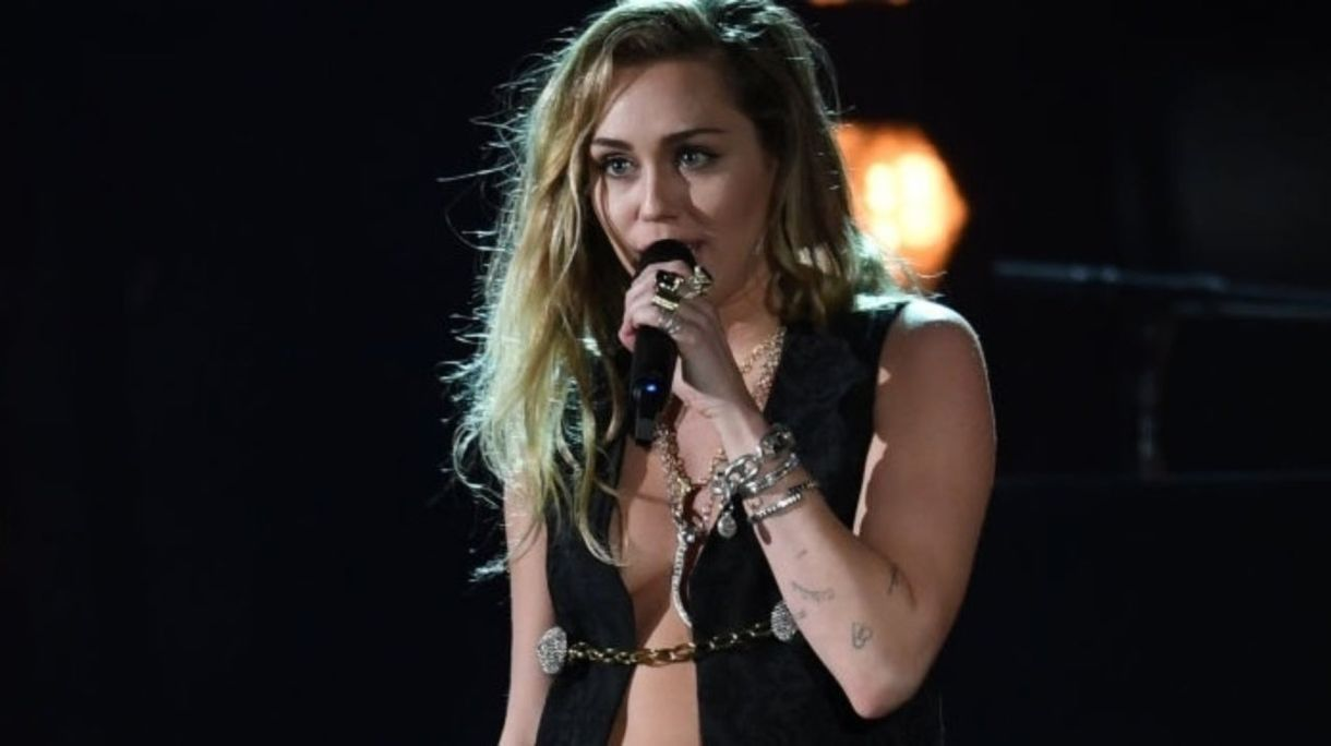 Grammys 2019: Miley Cyrus Fans Frygt for garderobefejl under forestillinger